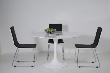 Kare-Design-Esstisch-Invitation-mit-Tulpenfuß-0