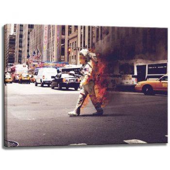 Brennender-Atsronaut-Motiv-auf-Leinwand-im-Format-120x80-cm.-Hochwertiger-Kunstdruck-als-Wandbild.-Billiger-als-ein-Ölbild-ACHTUNG-KEIN-Poster-oder-Plakat-0