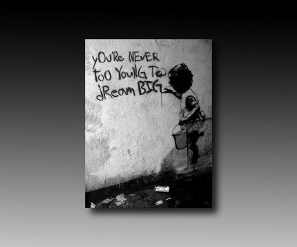 druck auf leinwand banksy graffiti bild 40x30cm dream big bild fertig auf keilrahmen. Black Bedroom Furniture Sets. Home Design Ideas