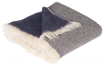 Sehr-warme-weiche-Decke-mit-Zick-Zack-Muster-aus-reiner-Schurwolle-ca.-150-200cm-1950gr-naturbeige-dunkel-blau-0