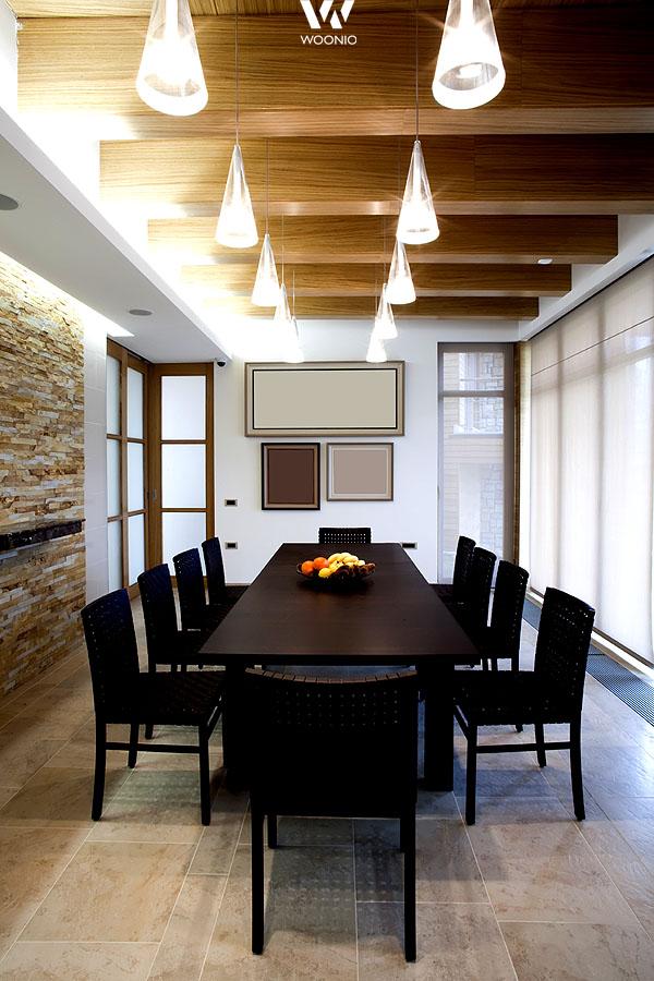 wunderbare lampen im dunklen esszimmer wohnidee by woonio. Black Bedroom Furniture Sets. Home Design Ideas