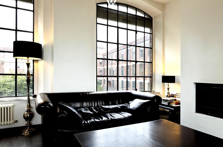 chesterfieldsofas sind nach wie vor der absolute trend im wohnzimmer wohnidee by woonio. Black Bedroom Furniture Sets. Home Design Ideas