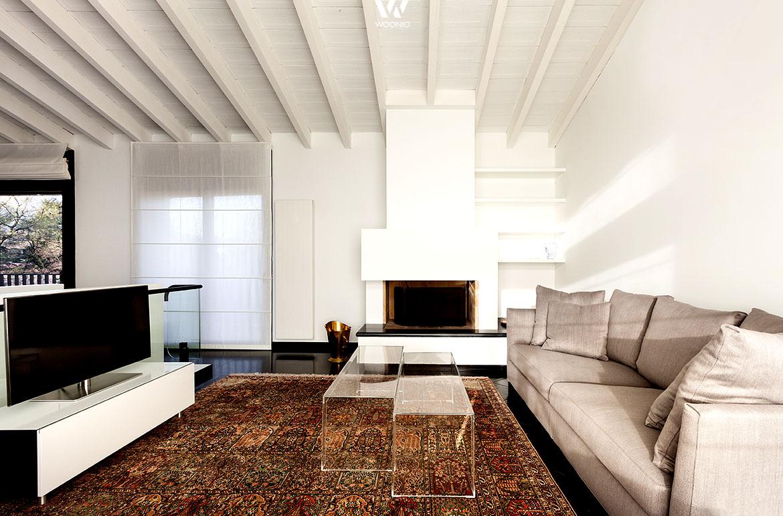 perserteppiche in kombination mit unifarbenen m belst cken geben dem wohnzimmer den letzten. Black Bedroom Furniture Sets. Home Design Ideas