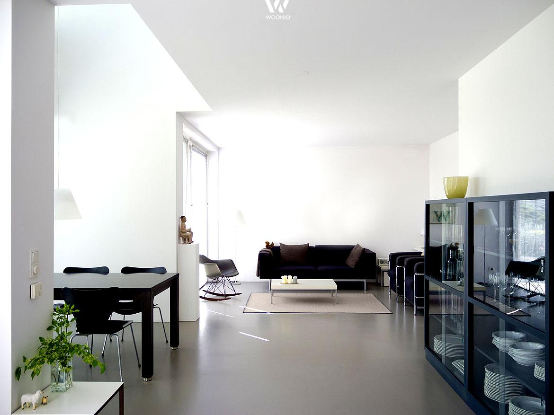 das wohnzimmer mit einheitlichem m belstil berzeugt wohnidee by woonio. Black Bedroom Furniture Sets. Home Design Ideas