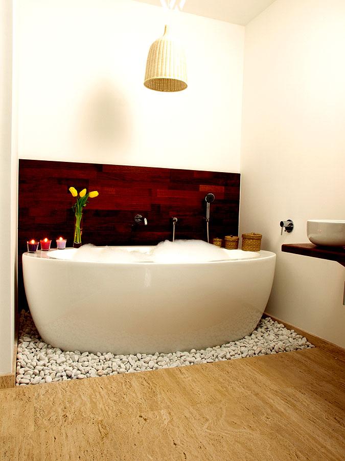 Bezaubernd und gemütlich zeigt sich diese Nische im Badezimmer ...