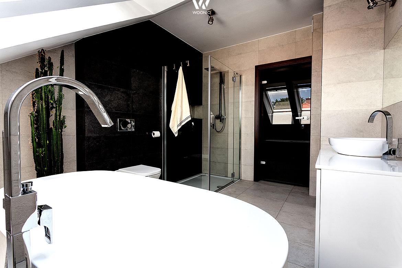 In diesem badezimmer hat man auch von der badewanne aus for Badezimmer wohnideen