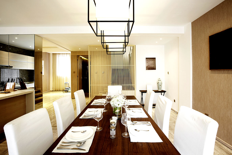 helle st hle und dunkler esstisch zumeist eine sehr sichere und sch ne kombination wohnidee. Black Bedroom Furniture Sets. Home Design Ideas
