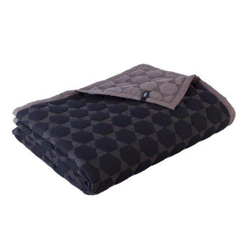 polygon quilt tagesdecke schwarz hay design online kaufen. Black Bedroom Furniture Sets. Home Design Ideas