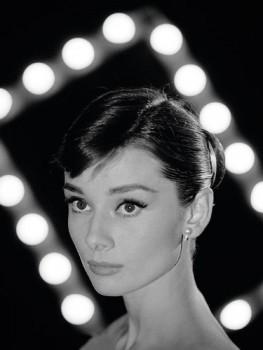 Time-Life-Audrey-Hepburn-Portrait-Kunstdruck-auf-Leinwand-60-x-80-cm-0