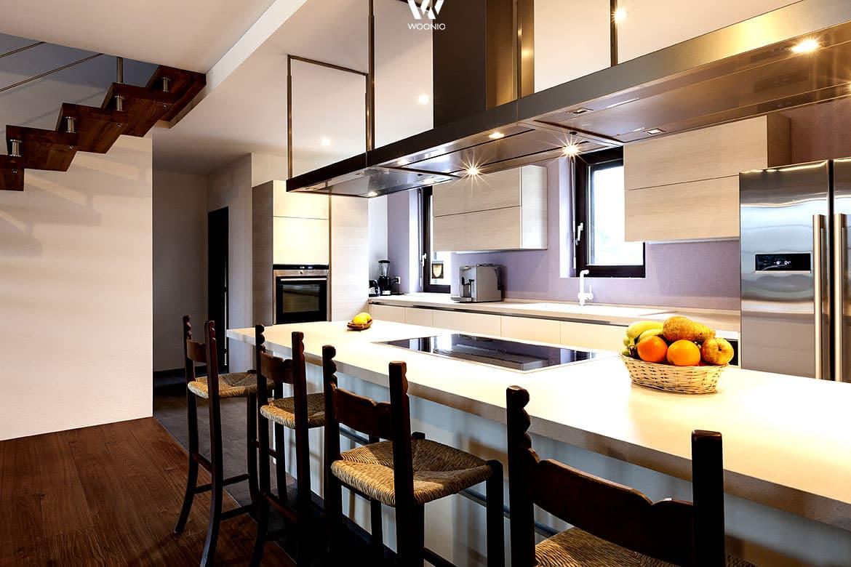 barhocker im rustikalen stil erg nzen auch moderne k chen. Black Bedroom Furniture Sets. Home Design Ideas