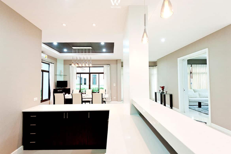 offene k chen bieten sich an um sich auch w hrend des kochens mit den g sten unterhalten zu. Black Bedroom Furniture Sets. Home Design Ideas