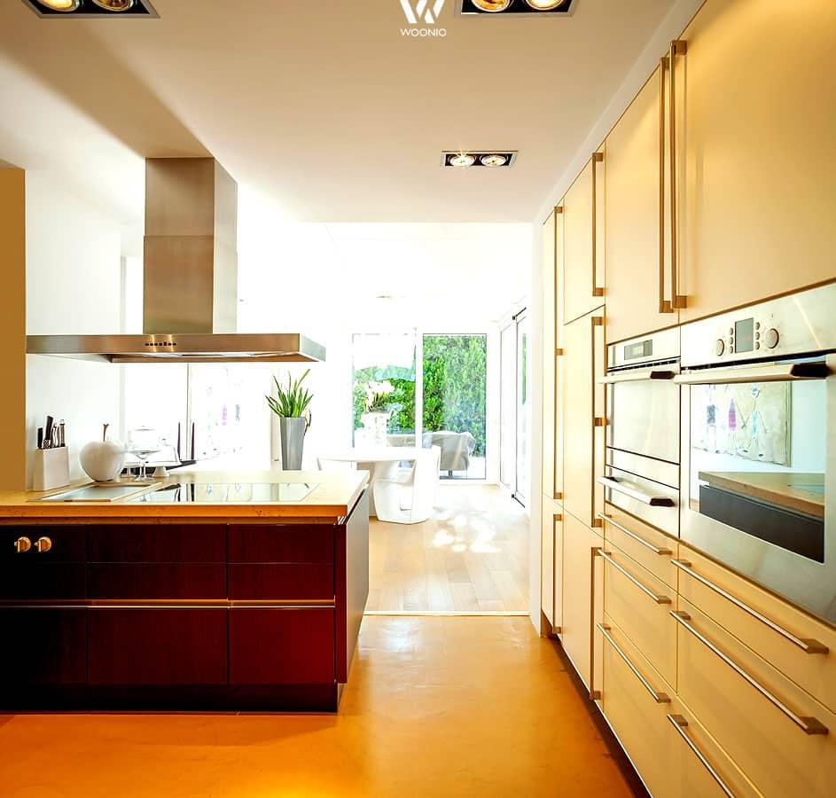 die flexiblen deckenspots lassen sich perfekt auf die wichtigen elemente der k che ausrichten. Black Bedroom Furniture Sets. Home Design Ideas