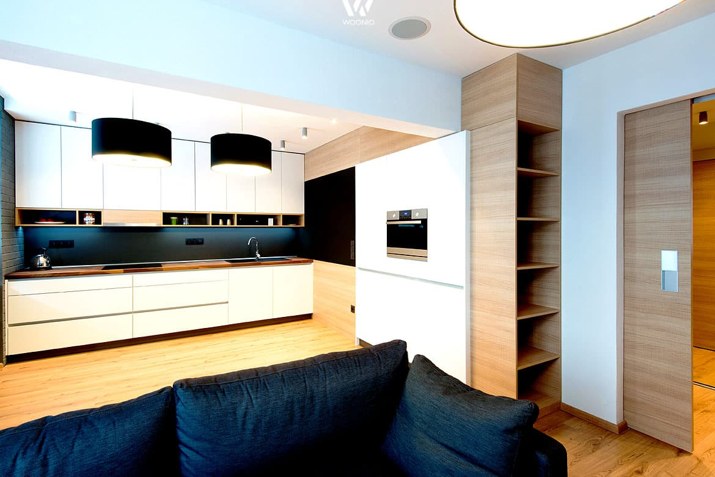offene f cher in der k chenzeile lassen auch neugierige. Black Bedroom Furniture Sets. Home Design Ideas