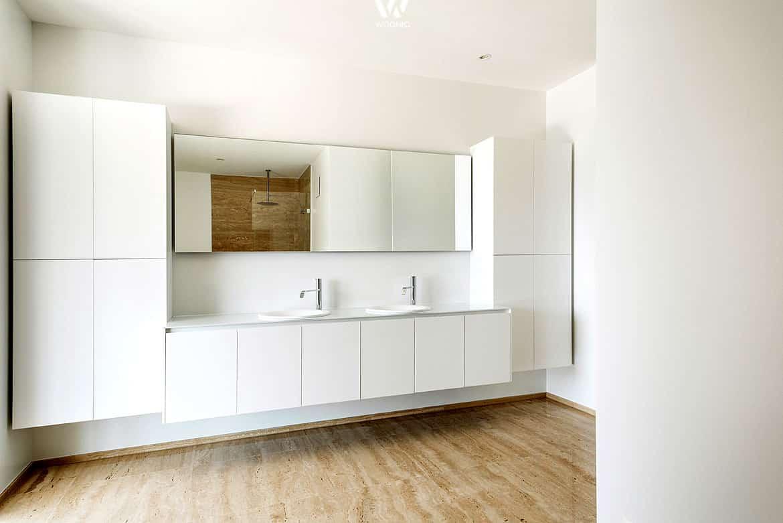 badezimmer schlicht alles ber wohndesign und m belideen. Black Bedroom Furniture Sets. Home Design Ideas