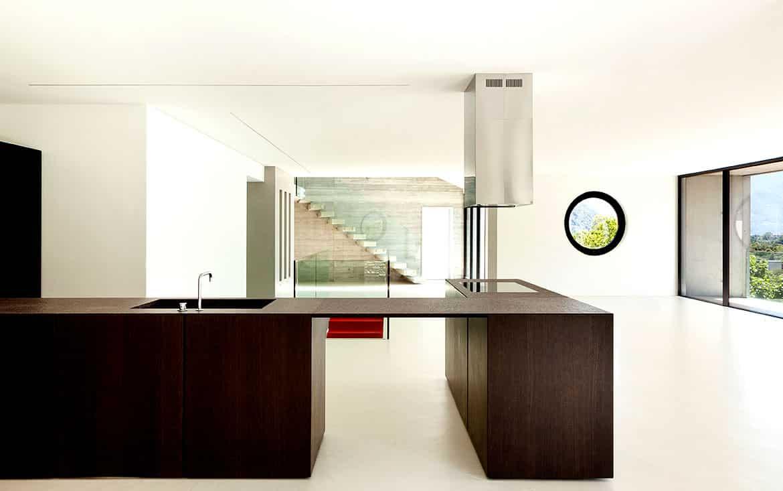 das ideale beispiel f r freunde des puristischen designs in der k che wohnidee by woonio. Black Bedroom Furniture Sets. Home Design Ideas