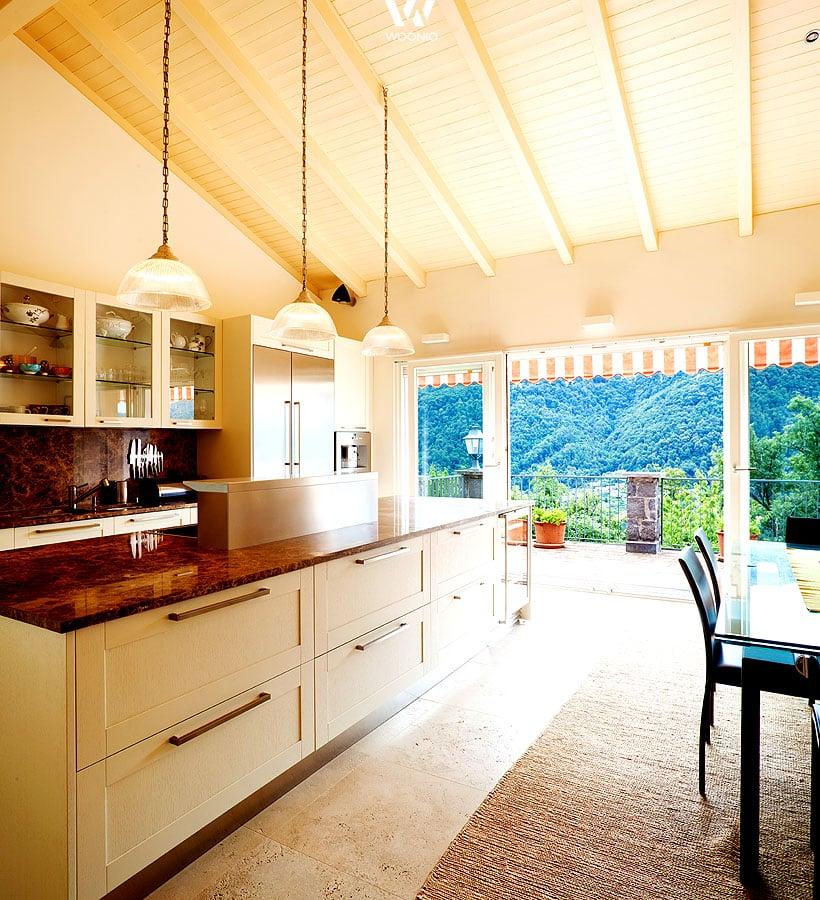 man nehme etwas landhaus stil und mische dunklen roten. Black Bedroom Furniture Sets. Home Design Ideas