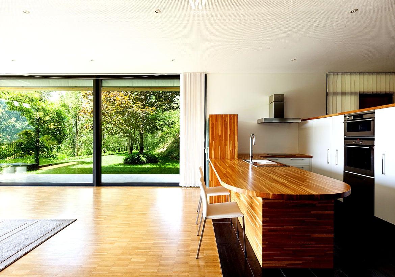 abgerundete arbeitsfl chen geben der k che eine weichere. Black Bedroom Furniture Sets. Home Design Ideas