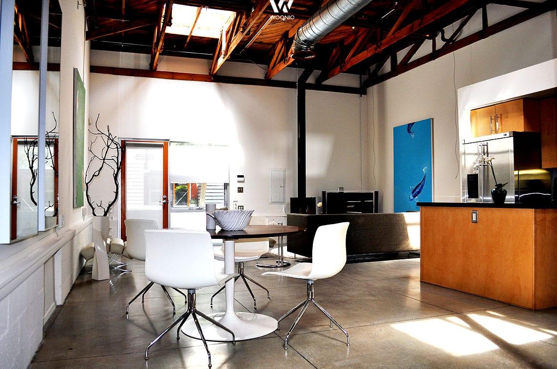 Bilder sind essentiell im wohnzimmer wenn wenig fenster for Wohnung einrichten billig