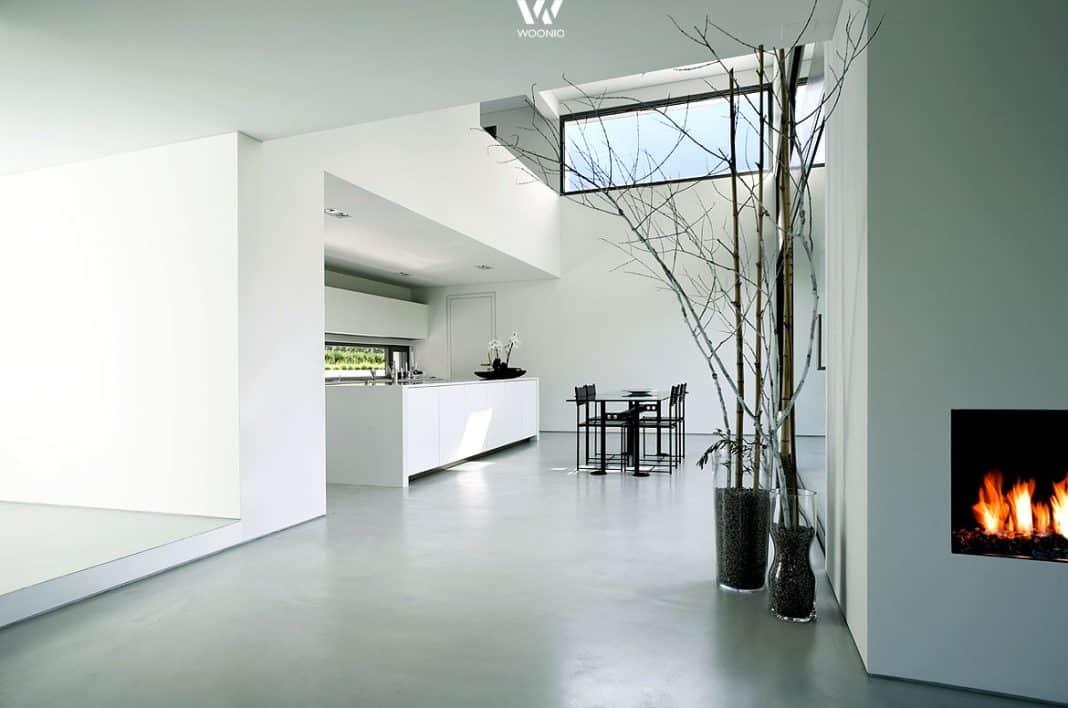Die absolut reduzierte architektur des hauses gibt hier for Innenraumgestaltung wohnzimmer