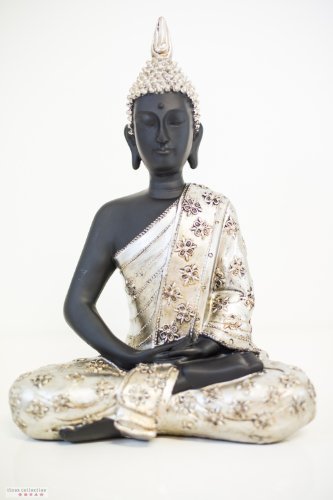 tinas collection thai buddha figur sitzend in silber 40. Black Bedroom Furniture Sets. Home Design Ideas