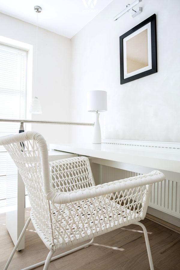 der stuhl im arbeitszimmer muss sehr gem tlich sein wohnidee by woonio. Black Bedroom Furniture Sets. Home Design Ideas