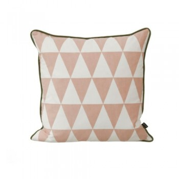 Large-Geometry-Cushion-Rose-0