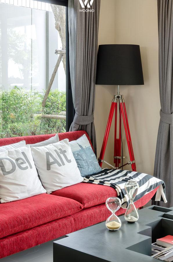 das ein oder andere geek element wie diese kissen machen. Black Bedroom Furniture Sets. Home Design Ideas