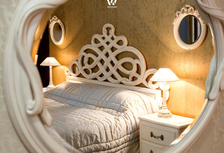 verschn rkelte formen wie im prinzessinnen zimmer. Black Bedroom Furniture Sets. Home Design Ideas