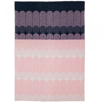 Normann-Copenhagen-Decke-Ekko-Throw-marineblau-rosa-0