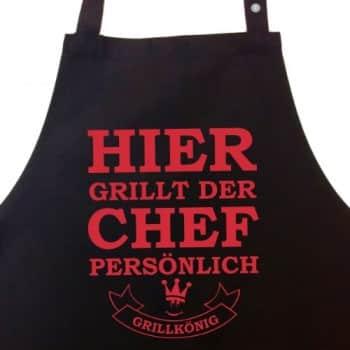 Hier-grillt-der-Chef-persnlich-Grillschrze-Kochschrze-Latzschrze-mit-verstellbarem-Nackenband-und-Seitentasche-Grillknig-Edition-0