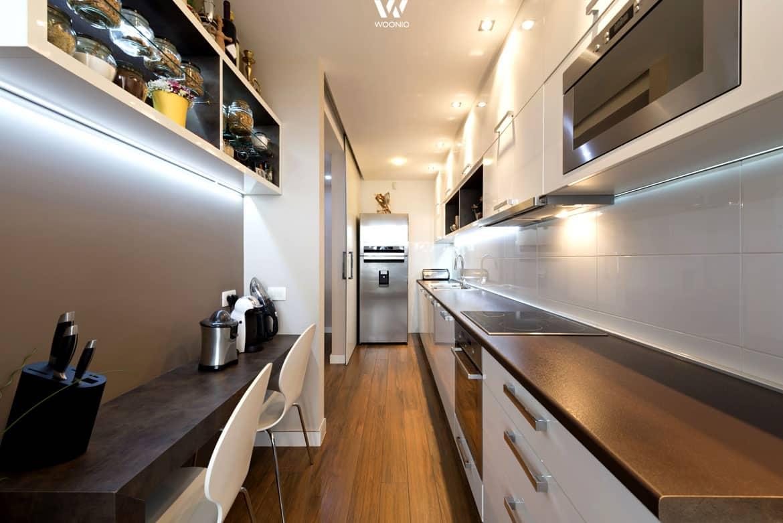 sicherlich nichts f r vielkocher aber auch eine k che in. Black Bedroom Furniture Sets. Home Design Ideas