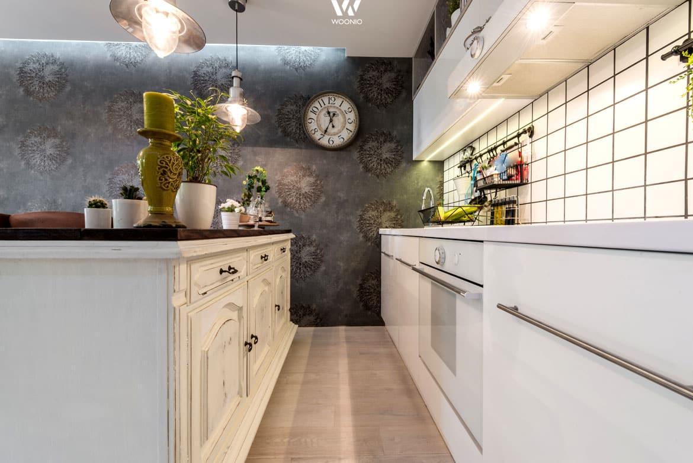 spannende mischung zwischen shabby chic und cleane. Black Bedroom Furniture Sets. Home Design Ideas