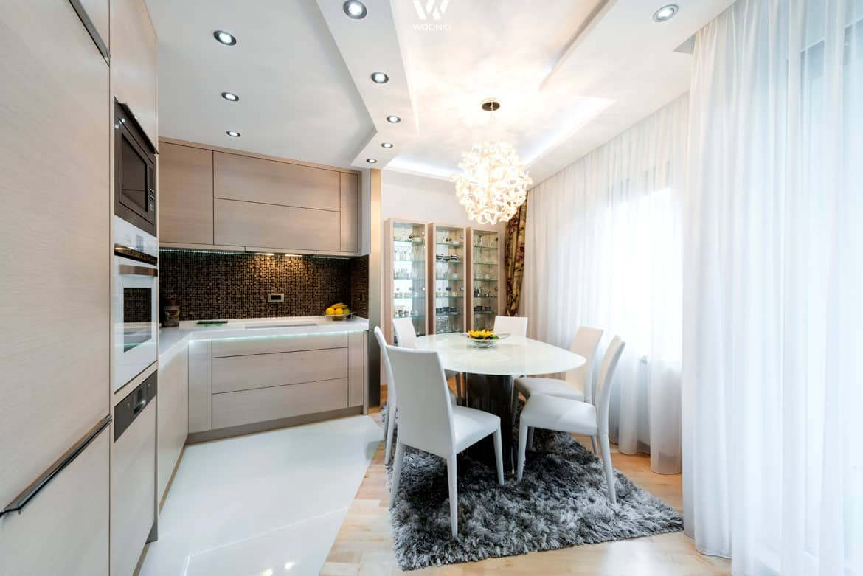 eine kleine k che gepaart mit etwas extravaganz wohnidee. Black Bedroom Furniture Sets. Home Design Ideas