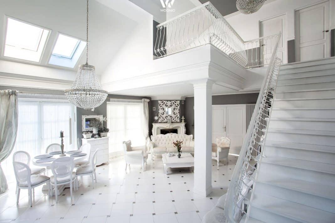 Elegantes wohnzimmer komplett in weiss gehalten wohnidee for Wohnzimmer komplett angebot