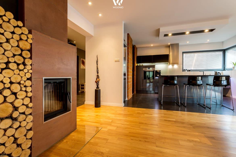 wundersch ner rostfarbener kachelofen wohnidee by woonio. Black Bedroom Furniture Sets. Home Design Ideas