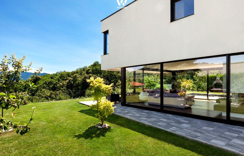 Auf dieser Villen-Terrasse möchte man gern seine Tage verbringen ...