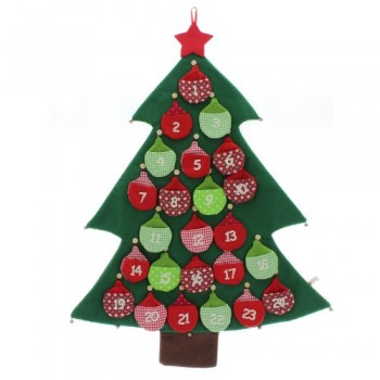 Adventskalender-aus-Filz-CHRISTMAS-TREE-0