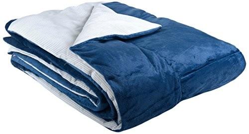 Goldmond-Home-4001626016723-Wohn-und-Kuscheldecke-Tagesdecke-Wendedecke-Surtur-Streifenoptik-uni-150-x-200-cm-blau-0