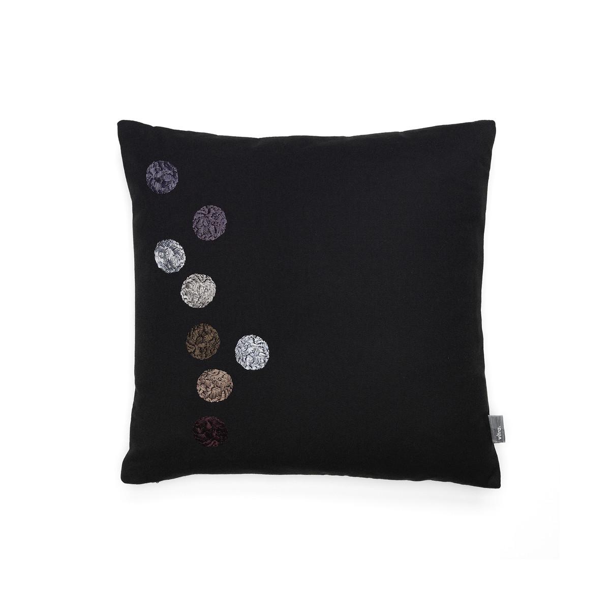 vitra dot kissen 40 x 40 cm schwarz schwarz t 40 b 40 online kaufen bei woonio. Black Bedroom Furniture Sets. Home Design Ideas