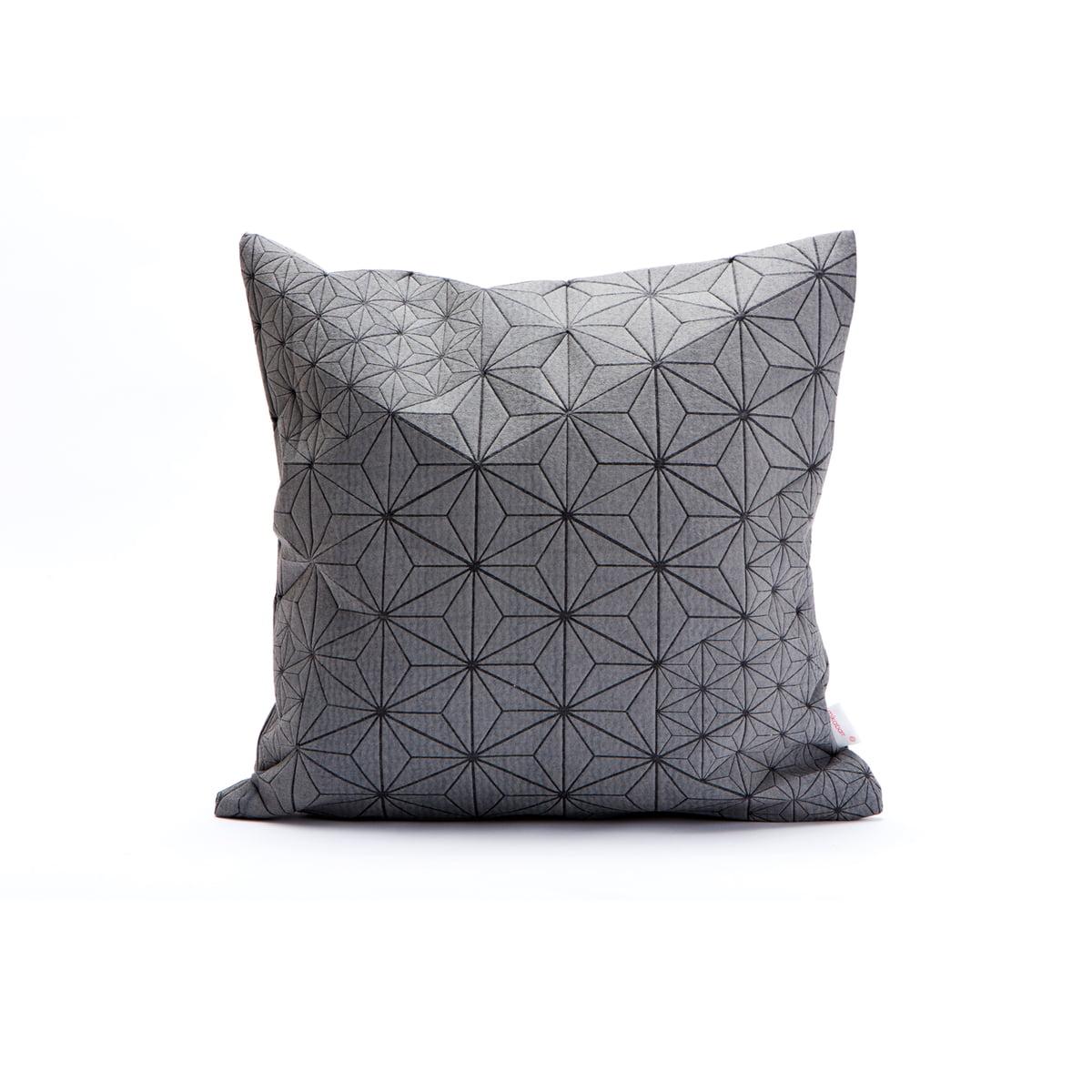 mika barr tamara kissenbezug 40 x 40 cm grau schwarz mehrfarbig t 0 h 40 b 40 online. Black Bedroom Furniture Sets. Home Design Ideas