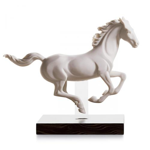 Pferde Skulptur Galopp Iweiss