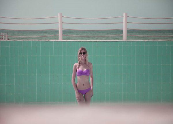 Pool Girl 4 Leinwandbild