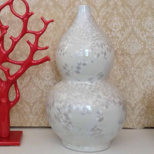 Vase Double L Perlmutteffektcremefarben