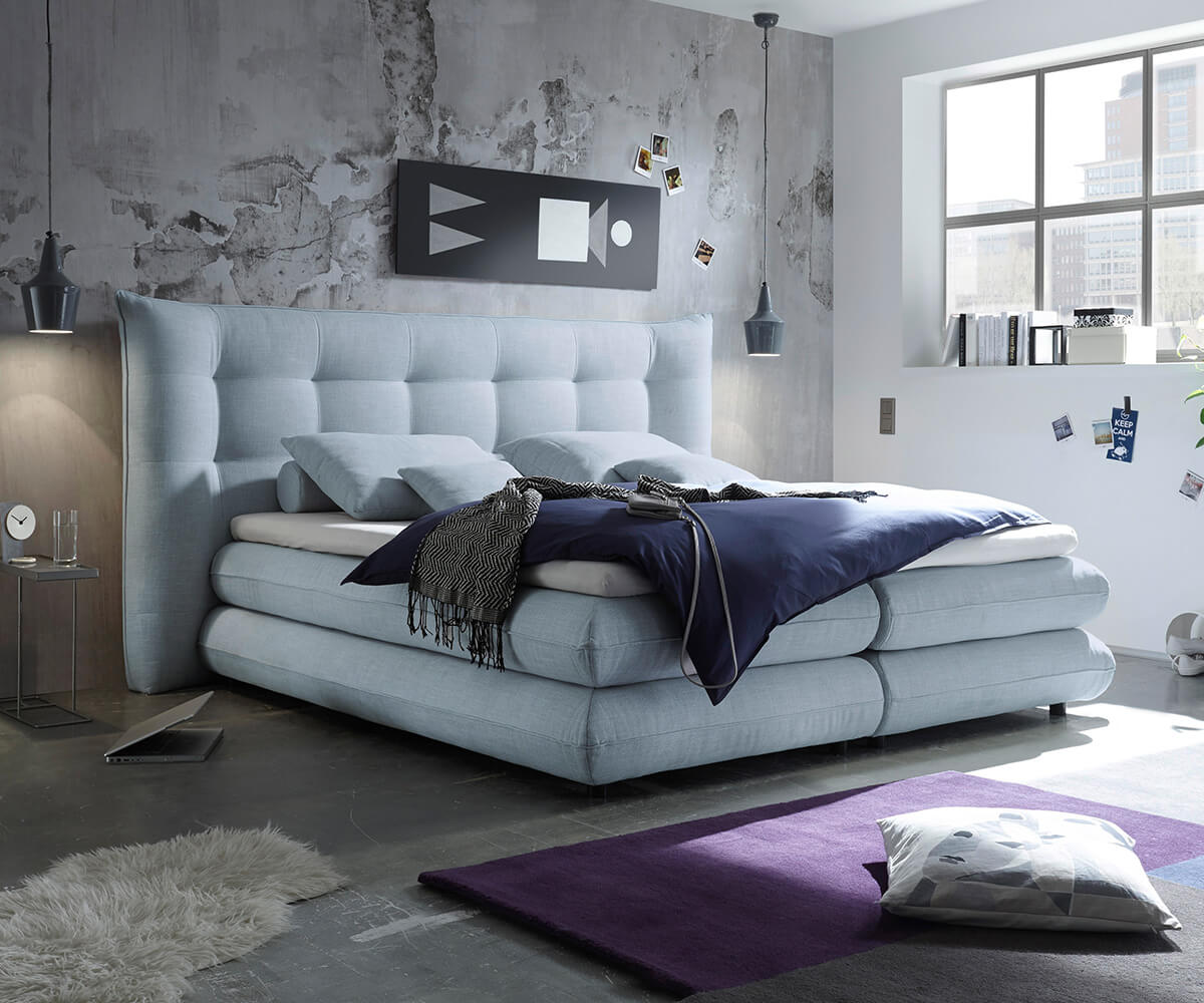 delife boxspringbett manola 180x200 hellblau matratze topper boxspringbetten 11542 online. Black Bedroom Furniture Sets. Home Design Ideas