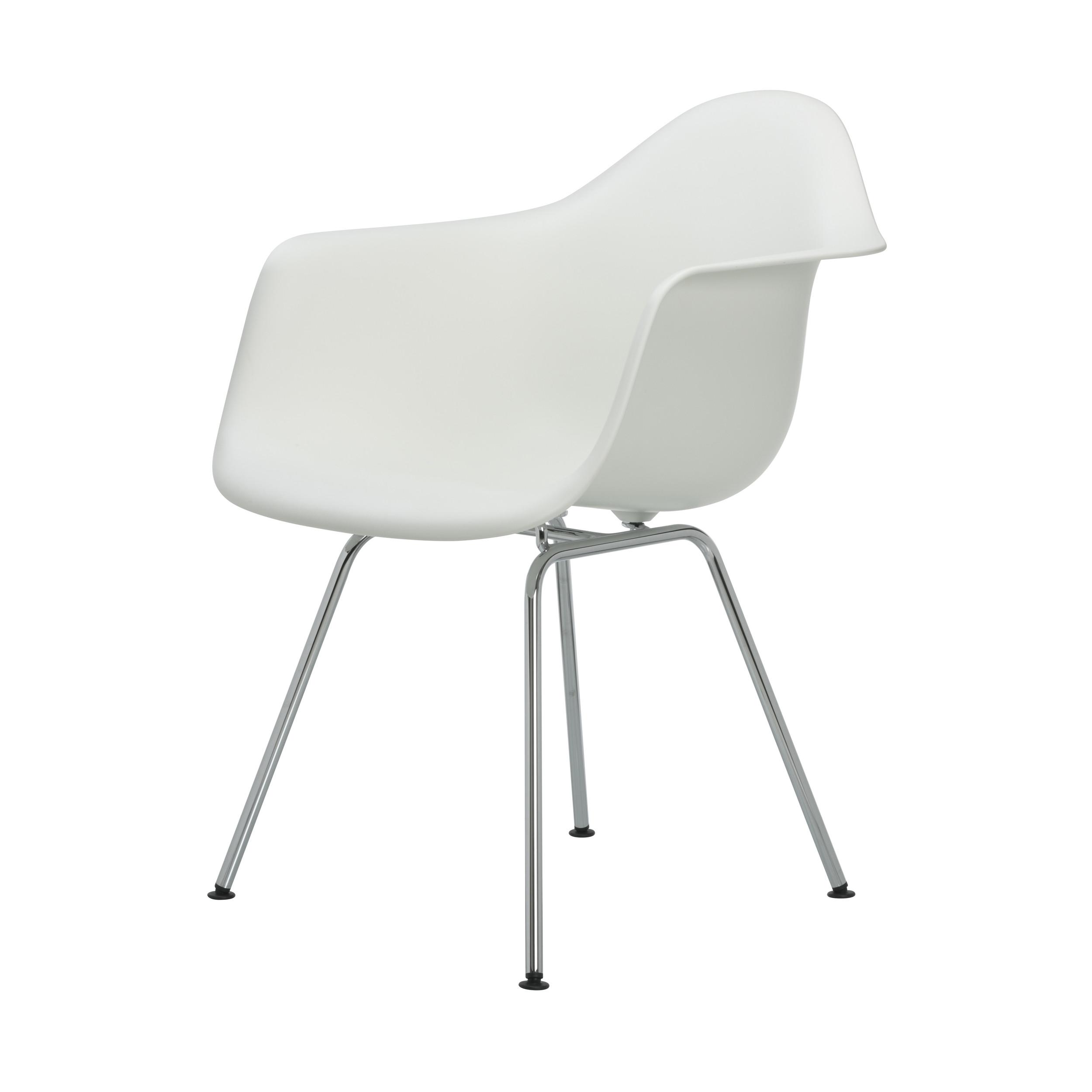 eames plastic armchair stuhl dax mit kunststoffgleitern wei neue ma e online. Black Bedroom Furniture Sets. Home Design Ideas