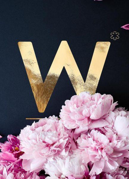 Flower Alphabet W Leinwandbild