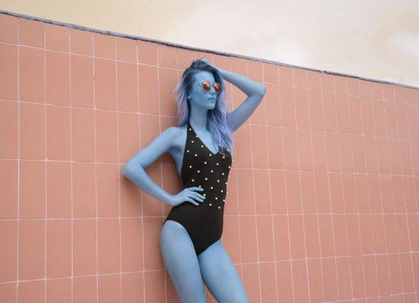 Pool Girl Leinwandbild