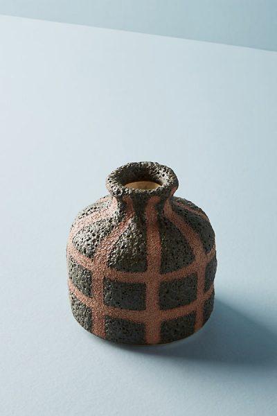 Vase mit Gitternetzlinien - Grey70589130